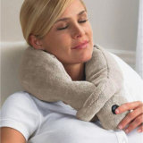 Almohadilla vibrante con pilas del recorrido del soporte del cuello del masaje