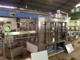 3000-4000bph automatique de l'eau minérale 3 en 1 Machine de remplissage (CGF 16-12-6)