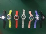 完全な円形スクリーンのBluetoothのSIMのカードスロットおよびカメラ(W8)が付いているスマートな腕時計の電話