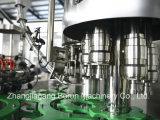 Completare la macchina di rifornimento delle acque in bottiglia con la macchina per l'imballaggio delle merci di contrassegno e