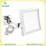 Le miroir d'agrandissement de salle de bains d'hôtel composent le miroir