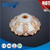 Хорошее гнездо светильника качества E27 пластичное
