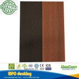 El panel de pared plástico de madera del compuesto WPC de la coextrusión