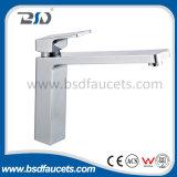 Filigrane simple de robinet de bassin de salle de bains de mélangeur de bassin de traitement de fini de chrome