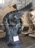 La escultura del Águila de mármol natural