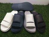 Poussoir d'EVA pour des chaussures de plage de santal des hommes