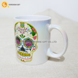 Tazza di caffè di ceramica bianca di Decaled del cranio di caduta di olio