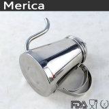 L'acciaio inossidabile versa sopra il POT del caffè con il coperchio