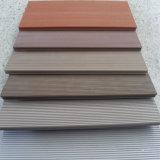 Deckings en bois synthétiques en plastique en bois du composé WPC Decking/DIY pour des piscines