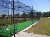 Rede da gaiola de batedura do basebol para o treinamento