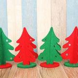 フェルトのクリスマスのDecoretionの球の木のハング