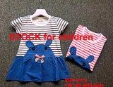 Stock 2,65 Dollor com 100 pares de tamanho 4 vestido bordado de desenhos animados
