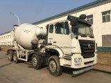 HOWO 8X4の具体的なミキサーのトラックの具体的なミキサーの輸送のトラック