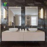 화려한 목욕탕 벽 또는 나무 벽 미러 장식적인 은 미러