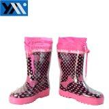 子供の履物のための明るいピンクのキティプリント織物カラー子供の天然ゴムのRainbootsの高品質のレースのWellingtons新しいデザインWelliesの2018の靴
