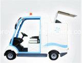 Quatro rodaram o caminhão de lixo elétrico para as pessoas 1