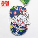Fabricante chino de metal personalizados Soft enamel medalla llenas de color