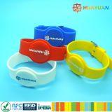 Justierbares RFID Silikon-Gummi-Armband zu Fabrik-Preis