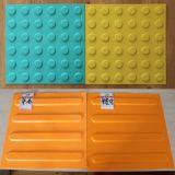 Azulejos táctiles de goma de interior antirresbaladizos para la gente oculta