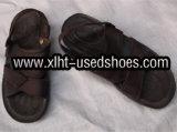 Sandali usati degli uomini
