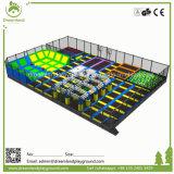 Patio del diseño único y parque suaves de interior del trampolín