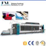 Automatischer Plastikdruck und Vakuum, die Maschine bildet