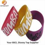 Incandescenza promozionale di disegno di marchio nei Wristbands scuri per gli eventi