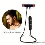 A cor preta Handfree ostenta auriculares de Bluetooth com o jogador de música do microfone