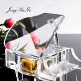 Recuerdos de cristal decoradas con colores claros y Piano para regalos de boda
