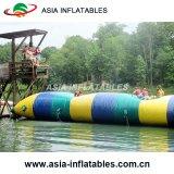 Chiazza gonfiabile personalizzata per i giochi dell'acqua, lanciagranate gonfiabili dell'acqua della catapulta dell'acqua del corpo della chiazza dell'acqua