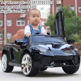 Conduite sur le type de jouet et conduite de matière plastique sur le véhicule de gosses