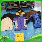 O revestimento dos homens usou a forma usada roupa da roupa da mão da roupa segunda para a venda