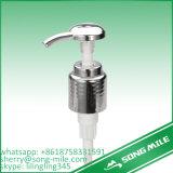 Pompa di plastica bianca della lozione della punta lunga per sciampo