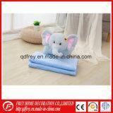 Elefante suave cojín de juguete con una manta