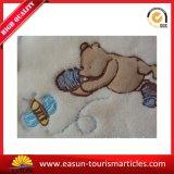 Coperta polare domestica sorridente del tessuto del panno morbido con ricamo