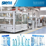 Machine de remplissage de l'eau de bouteille d'animal familier de coût bas