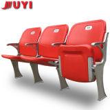 Het vouwen van het Kussen van de Zetel van het Stadion met de AchterStoel van het Stadion van de Stoel voor Sporten blm-4671