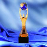 Удерживая массы стекло в форме трофей зеленой машине награду Премии в области конкуренции Weightlifting защиты окружающей среды призы