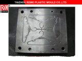 Plastikc$tuch-aufhängung Form