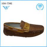 O plutônio quente da venda das crianças novas da forma calç sapatas lisas