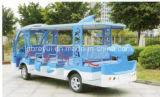 Un bus facente un giro turistico elettrico dei 14 delfini delle sedi