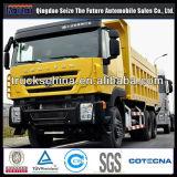 Lastkraftwagen mit Kippvorrichtung 30cbm 430HP Iveco-8X4 im Afrika-Speicherauszug