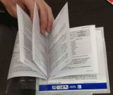 Etiqueta engomada plegable del librete de la etiqueta engomada de la impresión de la Fijar-uno-Forma de la etiqueta engomada de múltiples capas a todo color de la etiqueta engomada