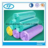 Sac d'ordures en plastique de HDPE coloré sur le roulis
