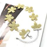 De nieuwe Elegante Eenvoudige Halsbanden van de Nauwsluitende halsketting van de Bloem van de Kleur van de Juwelen van de Manier Gouden Met de hand gemaakte Leuke voor Vrouwen Dame Bijoux Femme Jewellery
