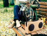 60 dB 입체 음향 휴대용 Bluetooth 나무로 되는 스피커