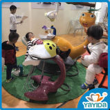 Zahnmedizinische Apparate befestigen und Qute Kind-zahnmedizinischer Stuhl