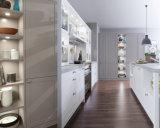 Ritzのシェーカー様式の純木の食器棚