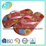 El dulce de verano de las muchachas de la manera Flip-Flops los zapatos planos de los deslizadores de la playa