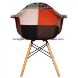 Conjunto de cuatro a mediados de siglo moderno sillas Tulip